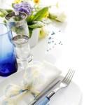 Blaue Tischdekoration