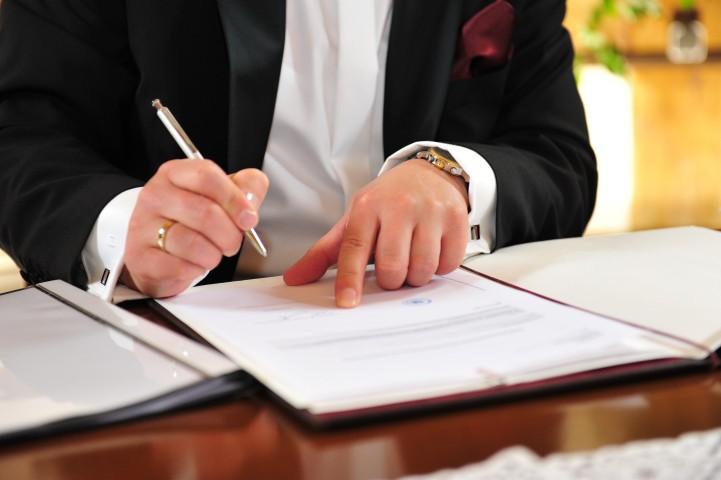 Ehe unterschreiben