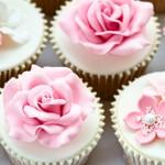 Muffins mit Rosenblaettern