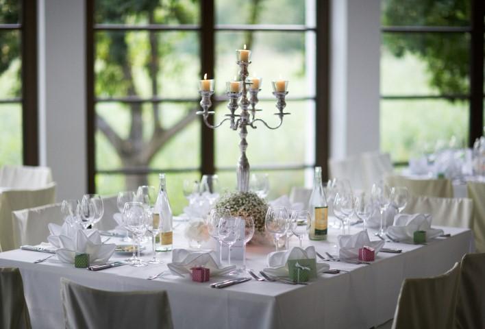Tischkarten mit Gastgeschenk