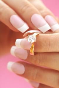 Künstliche Nägel zur Hochzeit