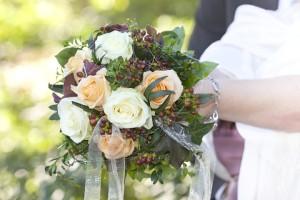 Winterliche Blumendeko: Florale Trends für die Winterhochzeit